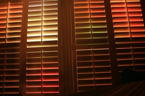 2009-11-28 Den Shutters Light Show small