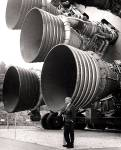 S-IC_engines_and_Von_Braun_small