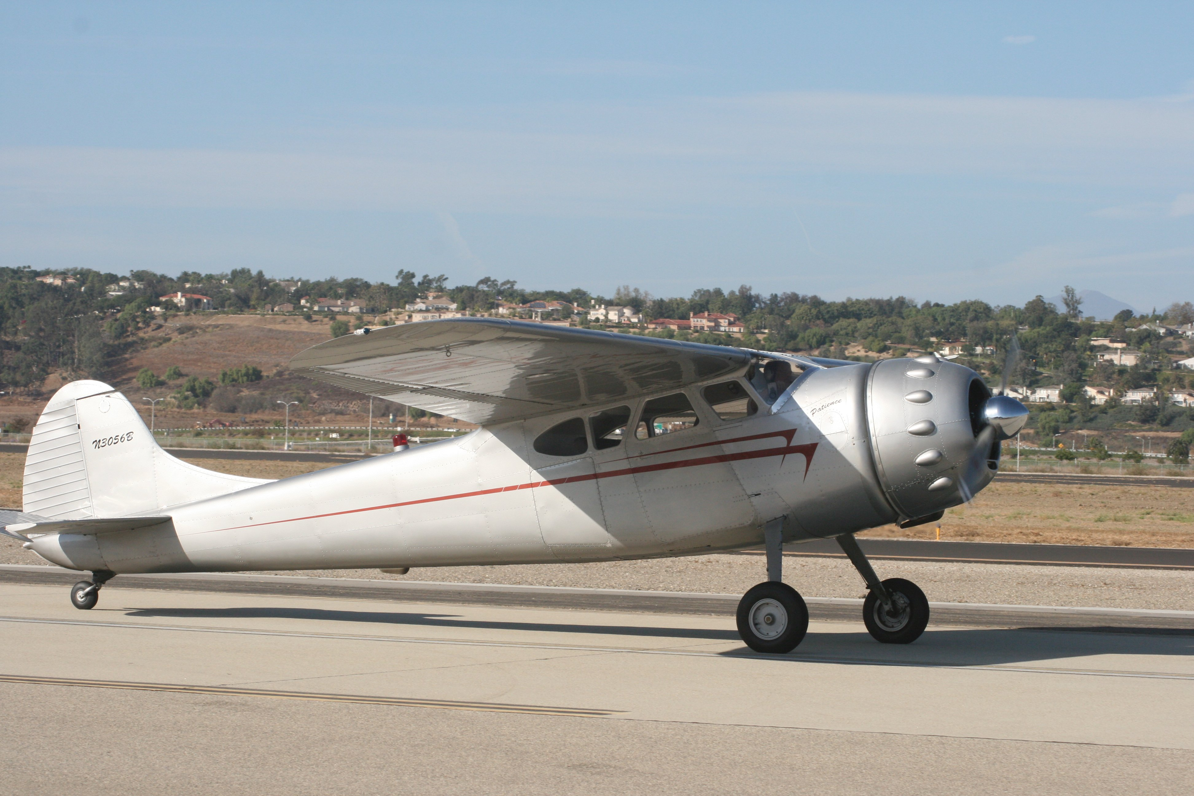 Cessna 195b | We Love The Stars Too Fondly